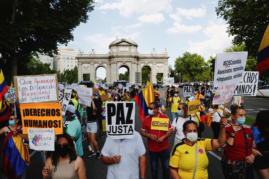 March in support of the demonstrations taking place in Colombia