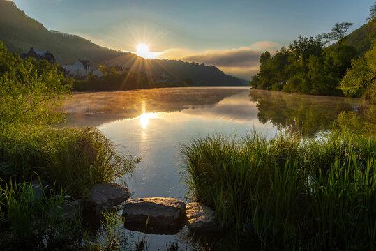 Sonnenaufgang an der Mosel