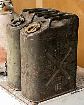 An oil cask