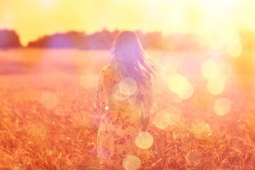 veld tarwe zonsondergang meisje, zomer landschap, outdoor activiteit concept abstracte vrijheid vrouw
