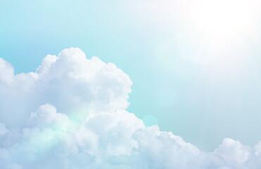 Obraz まぶしい夏の日差しと白い雲 - fototapety do salonu