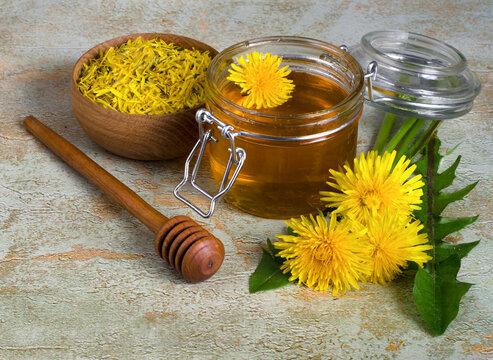 Healing dandelion honey