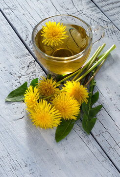 Healthy dandelion tea
