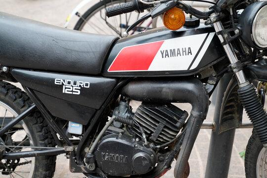 yamaha dt enduro 125 old vintage motorbike logo brand and text sign on side motorcycle