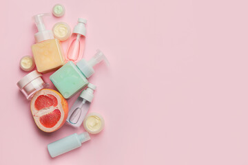 Obraz Natural cosmetic products with citrus fruit on color background - fototapety do salonu