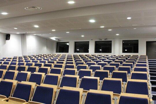 Salle de conferences de presse du Groupama Stadium, stade de l'equipe de football OL ou Olympique Lyonnais, ville de Decines, departement du Rhone, France