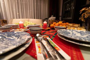 Obraz Wigilijny stół przygotowany do kolacji. Boże narodzenie w Polsce. - fototapety do salonu