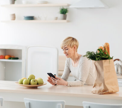 Feedback on delivery, rating for store or service, modern devices and app