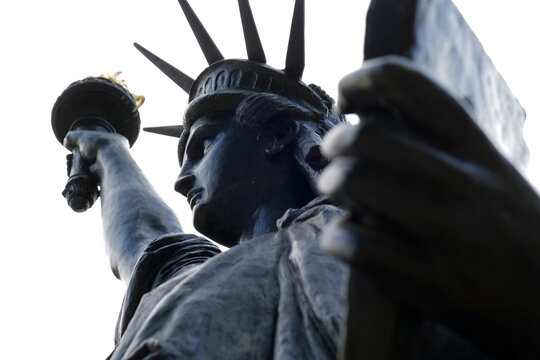 French museum to send U.S. second Lady Liberty to rekindle friendship