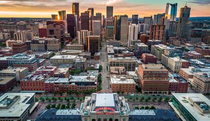 Downtown Denver Skyline at Sunrise - fototapety na wymiar