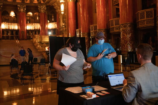 Pop-up vaccination clinic hosted by Detroit Tigers offers free tickets to games
