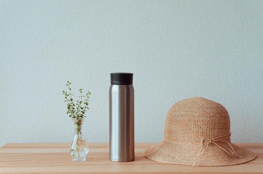 夏の水分補給をイメージしたマイボトル