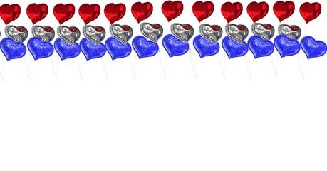 Samenstelling van rode, zilveren en blauwe ballonnen met kopie ruimte op witte achtergrond