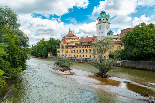 Isar river with Müller'sches Volksbad, Art nouveau indoor swimming pool, Munich, Germany
