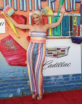 Dorinda Medley on stage for Playbill Hosts Live Concert GLIMMER OF LIGHT to Celebrate LGBTQ Pride Month