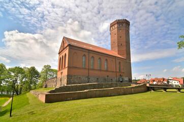 Zamek człuchowski – zamek krzyżacki położony w Człuchowie.