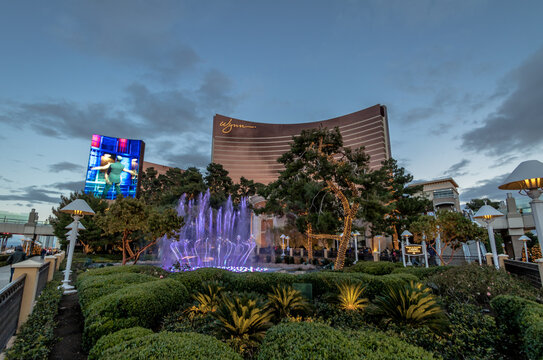 Fountains in front of Wynn Hotel and Casino at sunset - Las Vegas, Nevada, USA