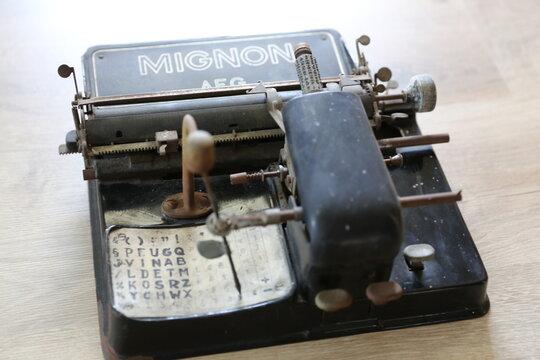 AEG Mignon - Antik Schreibmaschine Retro