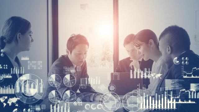 会議するビジネスマンと統計データ ビジネスと統計 経営戦略
