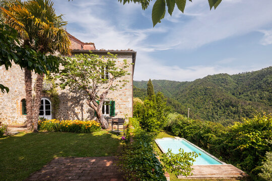 Beautiful Italian farmhouse in Tuscany surrounded by nature with a large garden