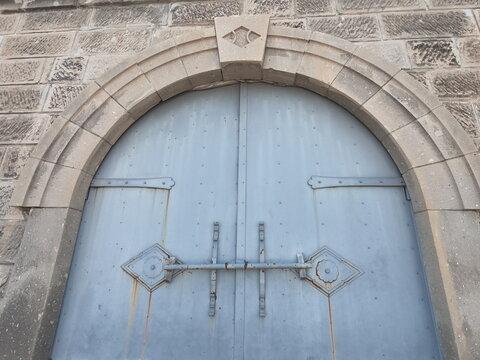小樽の古い倉庫の扉、北海道