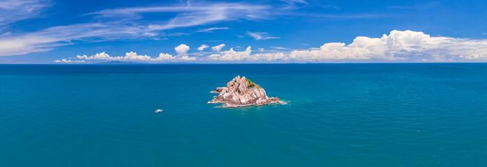 Fototapeta Shark Island, Koh Tao Island Ko Tao Island Thailand Drone Aerial Shot with Copy Space blue green turquoise landscape obraz