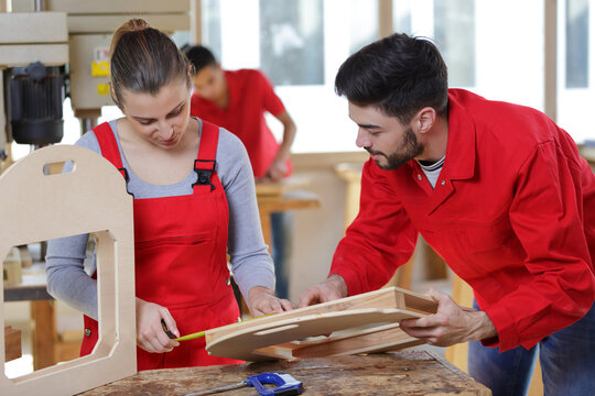 wooden decoration makers