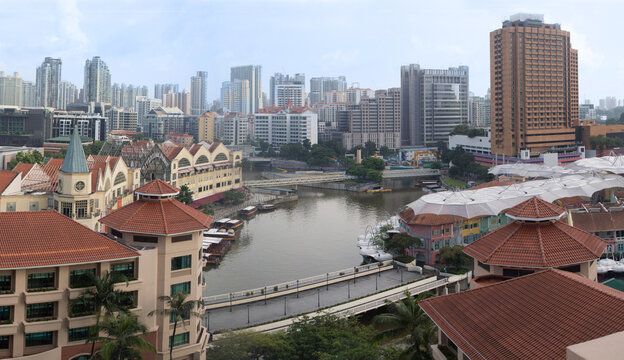 Overlooking view of Singapore River, Restaurants and Business District
