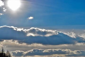 Fototapeta zimowe niebo i słońce w mróz obraz