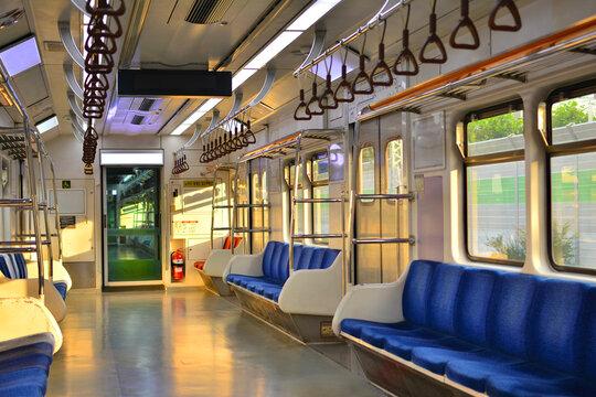 서울의 지하철 차량 내부