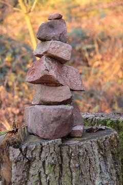 Steine aufgetürmt