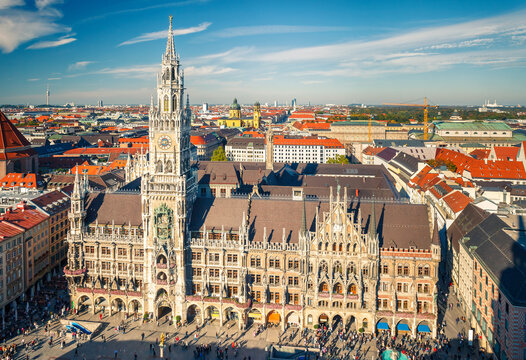 Aerial view of Munchen: New Town Hall
