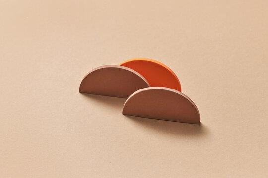 3d brown semicircles