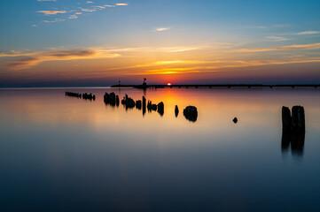 Obraz Wschód słońca nad morzem - fototapety do salonu