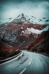 Obraz Droga w Alpach - fototapety do salonu