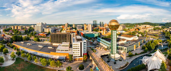 Fototapeta Aerial panorama of Knoxville, Tennessee skyline on a late sunny afternoon, viewed from above Worlds Fair Park. Knoxville is the county seat of Knox County in the U.S. state of Tennessee. obraz