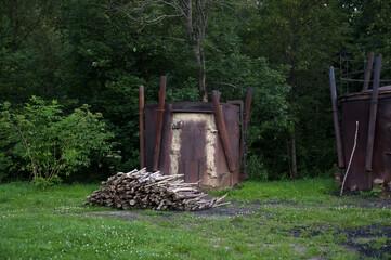 Obraz Piec do wypału węgla drzewnego - fototapety do salonu