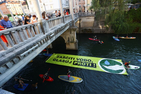 Protest against the government law for water in Ljubljana