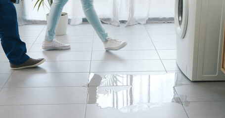 Fototapeta Leaking washing machine at home obraz