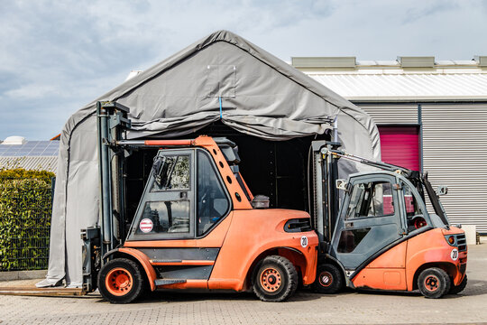 Two Forklift