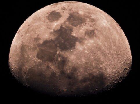 Crescent zoom moon
