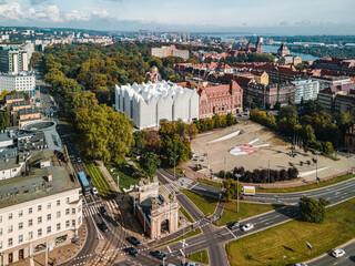 Obraz Szczecin z lotu ptaka - Plac Solidarności oraz filharmonia - fototapety do salonu