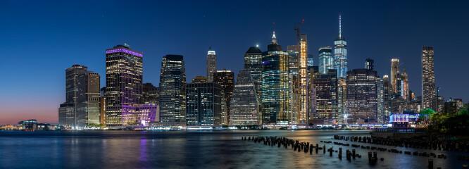 Fototapeta USA downtown skyline at dusk on the East RiveN obraz