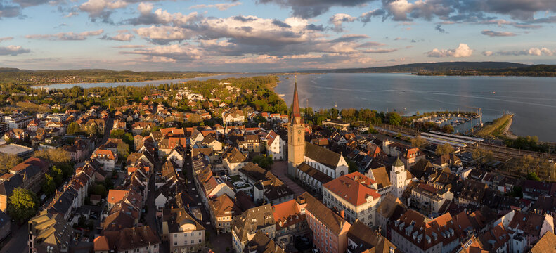 Germany, Baden Wurttemberg, Radolfzell, Aerial view of old town over Lake Constance