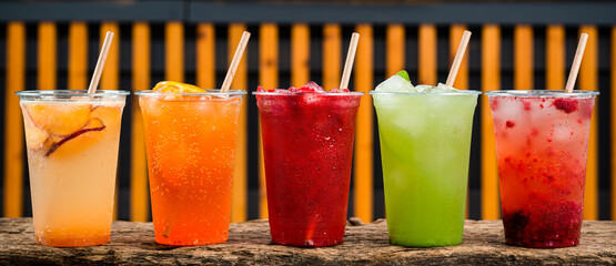 Fototapeta colourful Lemonade in transparent cup, five summer lemonades obraz
