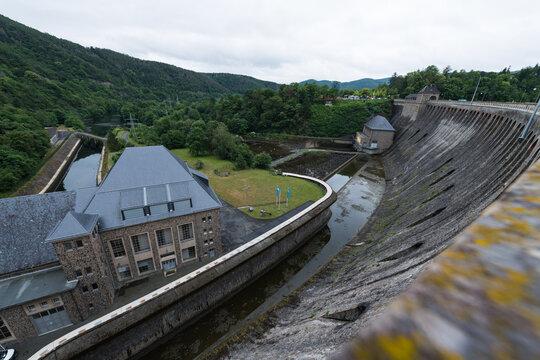 Blick von der Edersee-Staumauer