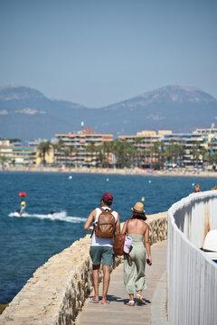 vacances loisir plage soleil été Espagne Salou Catalogne mer sable couple amour