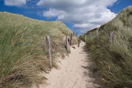 Der Weg zum Nordstrand auf Sylt
