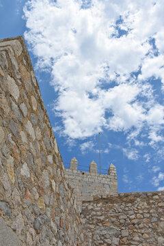 Peniscola chateau muraille fort fortifications mur tour médiéval Espagne