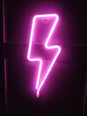 Obraz Piorun Bolt Neon Purple - fototapety do salonu